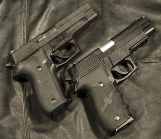 http://www.horsefish.net/airsoft/images/P226Review/SigSauerP226_3_tn.jpg
